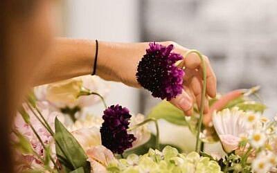 Cómo hacer tu propio arreglo floral con flores de otoño